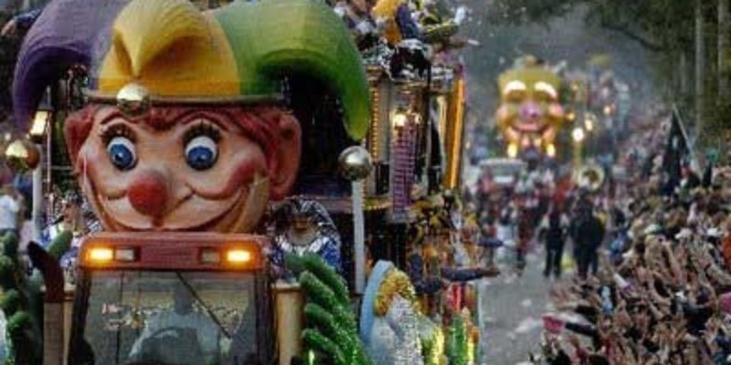 Mardi Gras Madness: How to Host a Lawsuit-Free Parade Watching Party