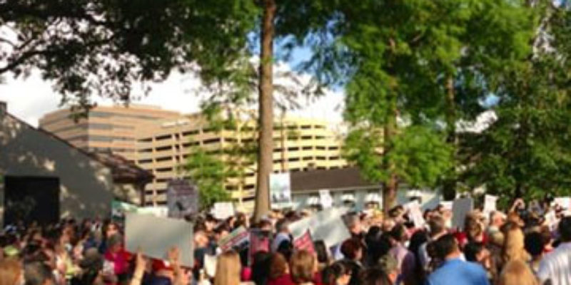 'Dozens' Of Pro-Life Protestors At Yesterday's Planned Parenthood Demonstration?