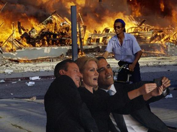 la riots selfie