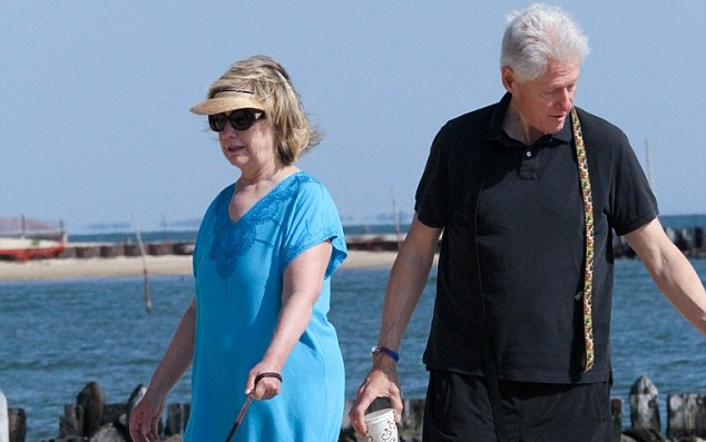 HILARIOUS! Top 15 Best Hillary And Bill Clinton Beach Photo Comments