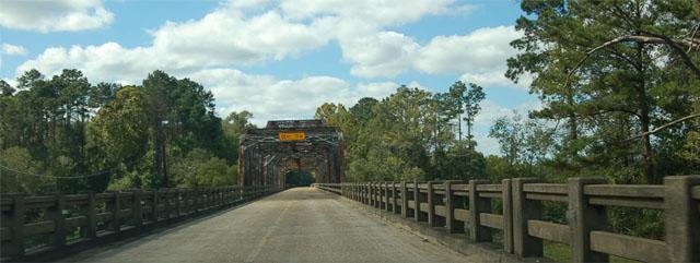 nolan trace pkwy bridge