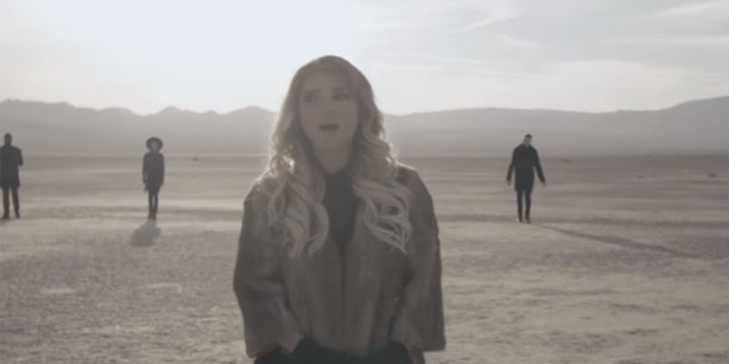"""VIDEO: Pentatonix' Cover Of Leonard Cohen's """"Hallelujah"""" Might Be The Most Beautiful Thing You'll Hear This Year"""