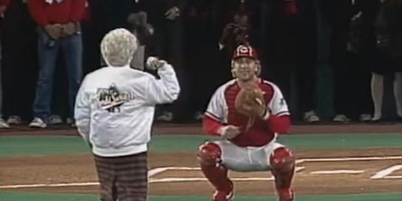 Remembering Barbara Bush at Game 2 of the 1990 World Series [videos]