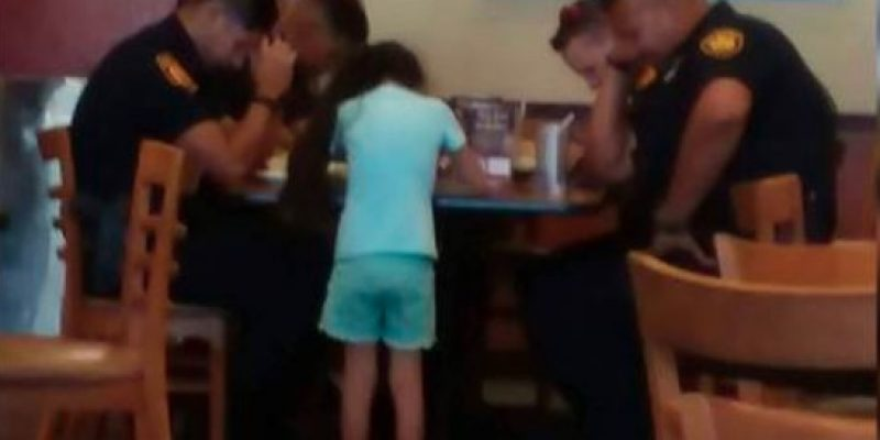 Sweet: San Antonio Girl Prays with Police, Watch What Happens [video]
