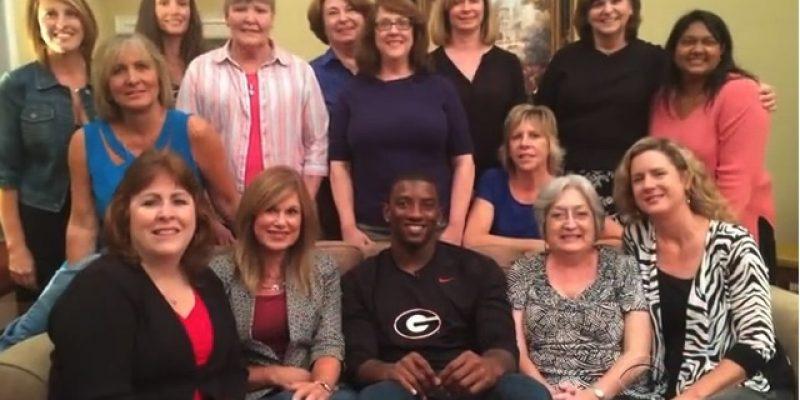 Star Bulldog wide receiver joins ladies book club [video]