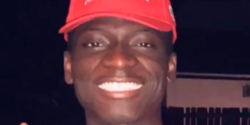 Cheesecake Factory employees threaten black man wearing MAGA hat [video]