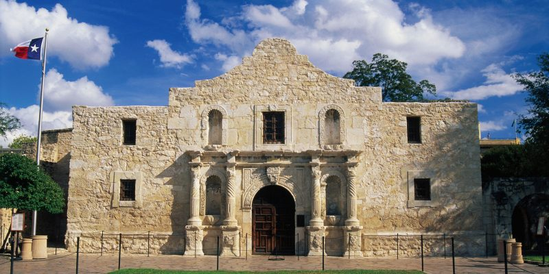 Don't call the Alamo's defenders 'heroic,' Texas school curriculum panel urges [videos]
