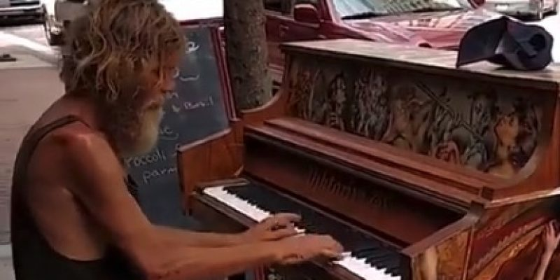 HEARTWARMING: Homeless veteran pianist's transformation [video]