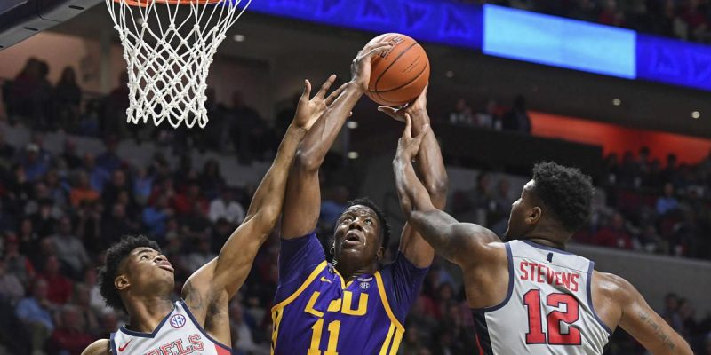 If You're Not Paying Attention, You're Missing One Heck Of An LSU Hoops Season
