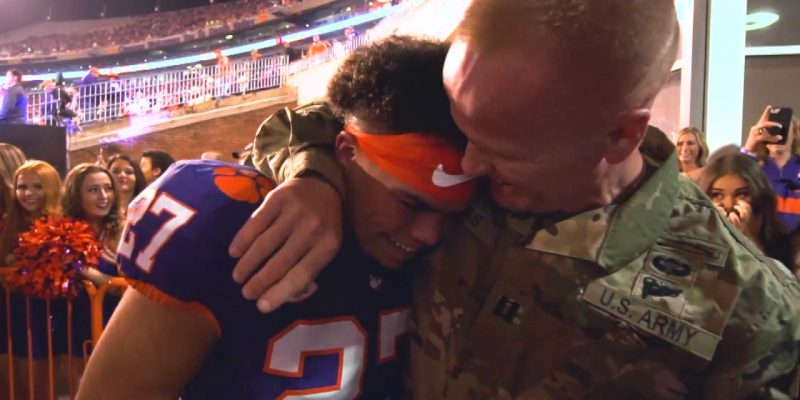 Heartwarming: Clemson football player gets best surprise at game [video]