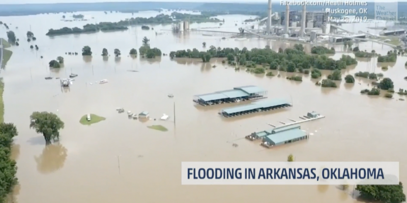 Arkansas, Oklahoma flooding reaches historic levels [videos]