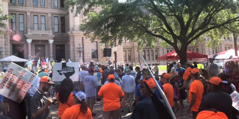 Union Protest Turns Into Thank-You Rally As Texas Governor Extends Plumbing Board