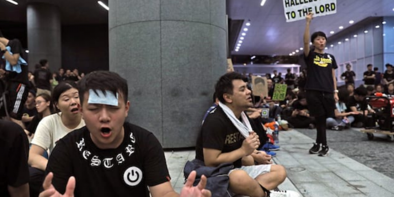 'Sing Hallelujah to the Lord' Becomes Anthem for Hong Kong Protests [videos]