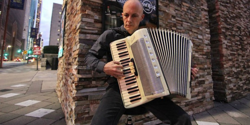 Houstonian sues city over busking law prohibiting him from playing accordion for tips