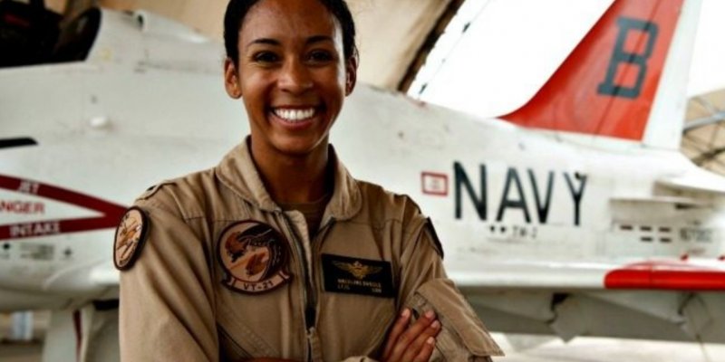 U.S. Navy's First Black Female Tactical Jet Pilot Earns 'Wings of Gold' [video]